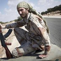 Startupper gerillaharcos tanítja lőni az iraki keresztényeket