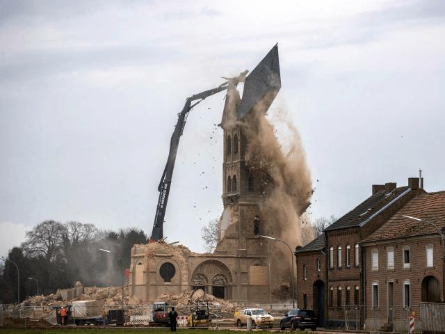 Németország: Lerombolt templom, 200 új mecset