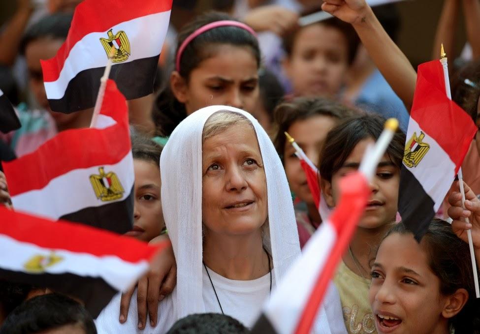 000_nic6140662_edited_afp_egypt_copt_nun_08oct12-975x679.jpg