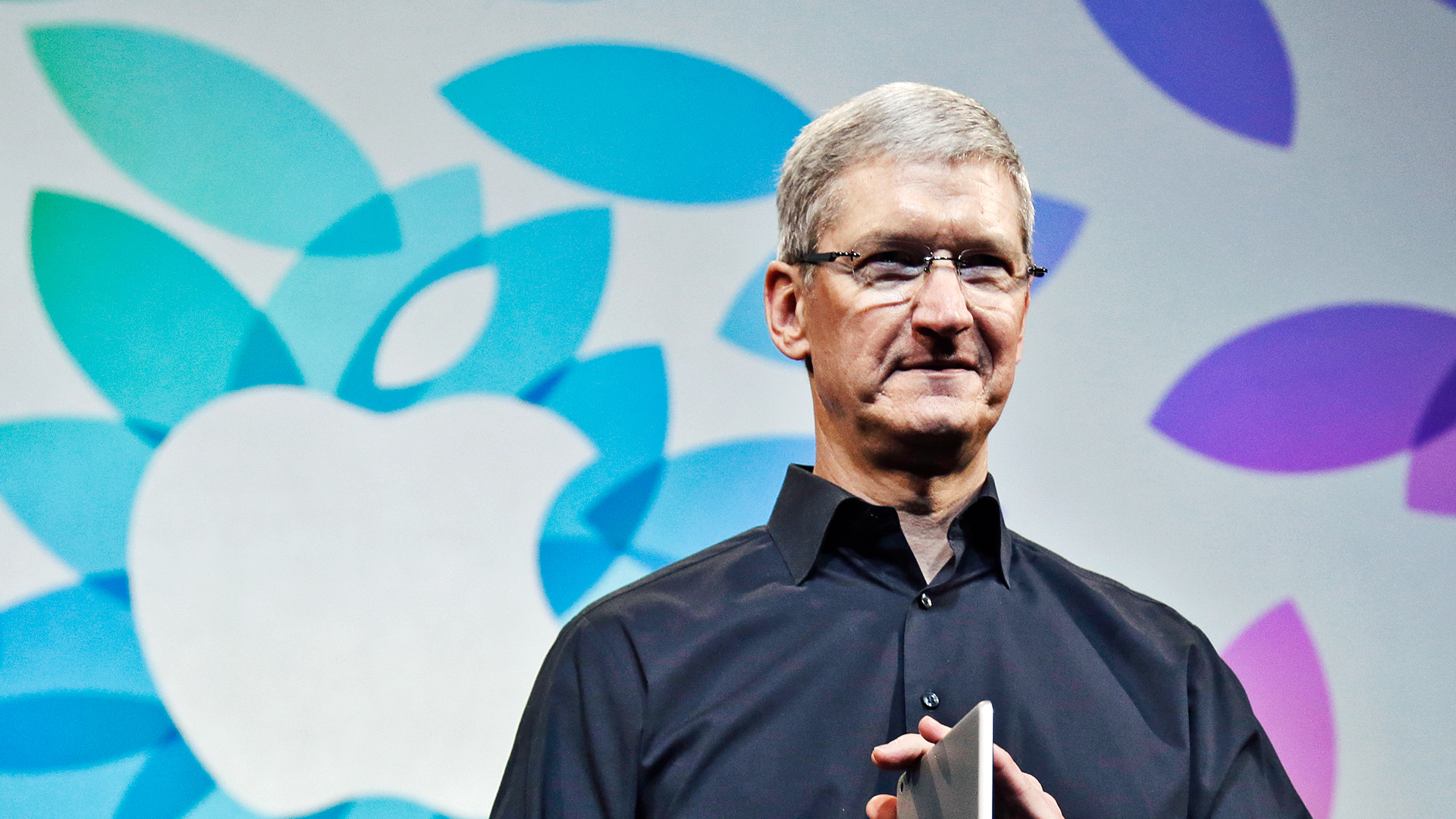 3020550-poster-p-1-tim-cook-calls-out-blogger-apple-event.jpg