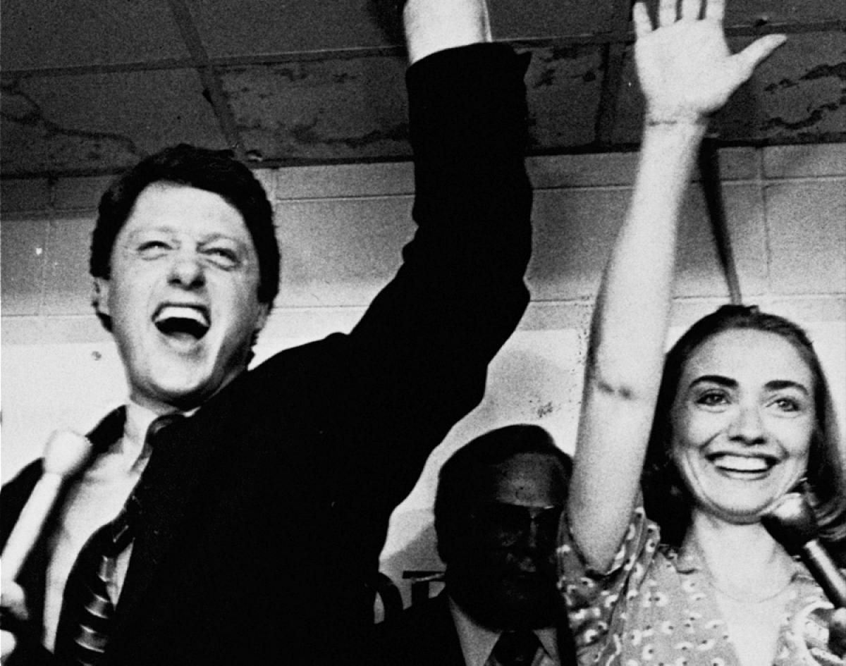 hillary-bill-clinton-arkansas-1982.jpg