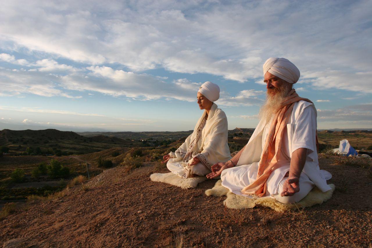 kundalini-yogis.jpg