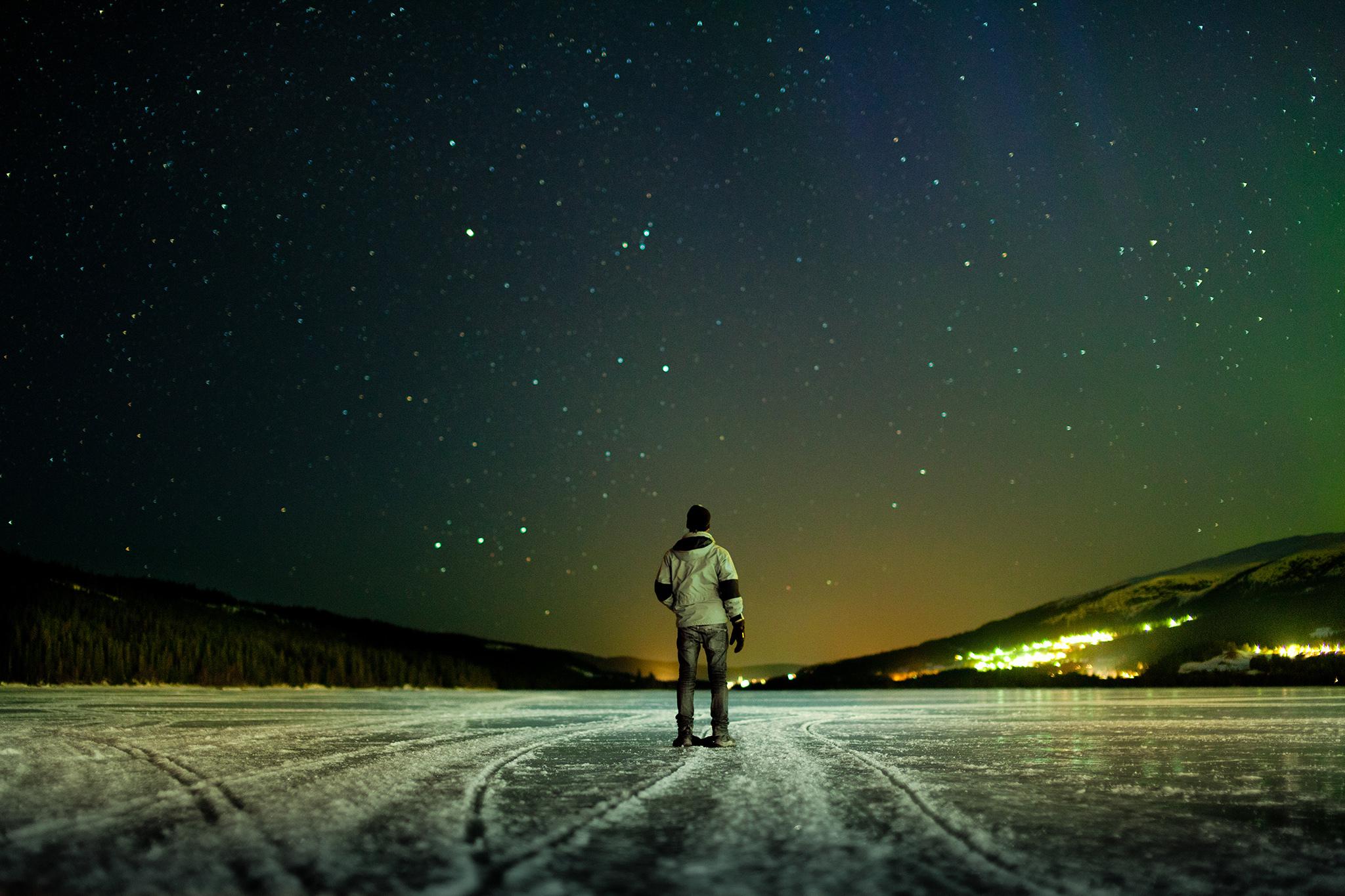 night-winter-sky-stars-river-ice-the-horizon-the-lights-man_-mood-tilt-shift-tilt-shift-background-pictures-wallpaper-wallpapers.jpg