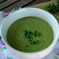 Cukkini leves friss zöldfűszerekkel