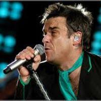Forró hangulatú Robbie koncert az első sorból