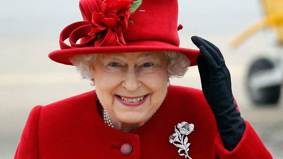 queen_elizabeth_teaser_ml_2.jpg