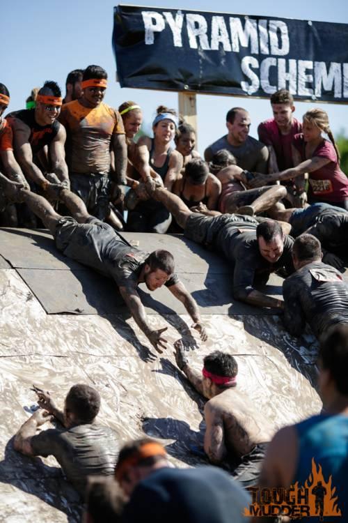 tough-mudder_pyramid-scheme_human-pyramid-climb_air-squats_large-groupm.jpg