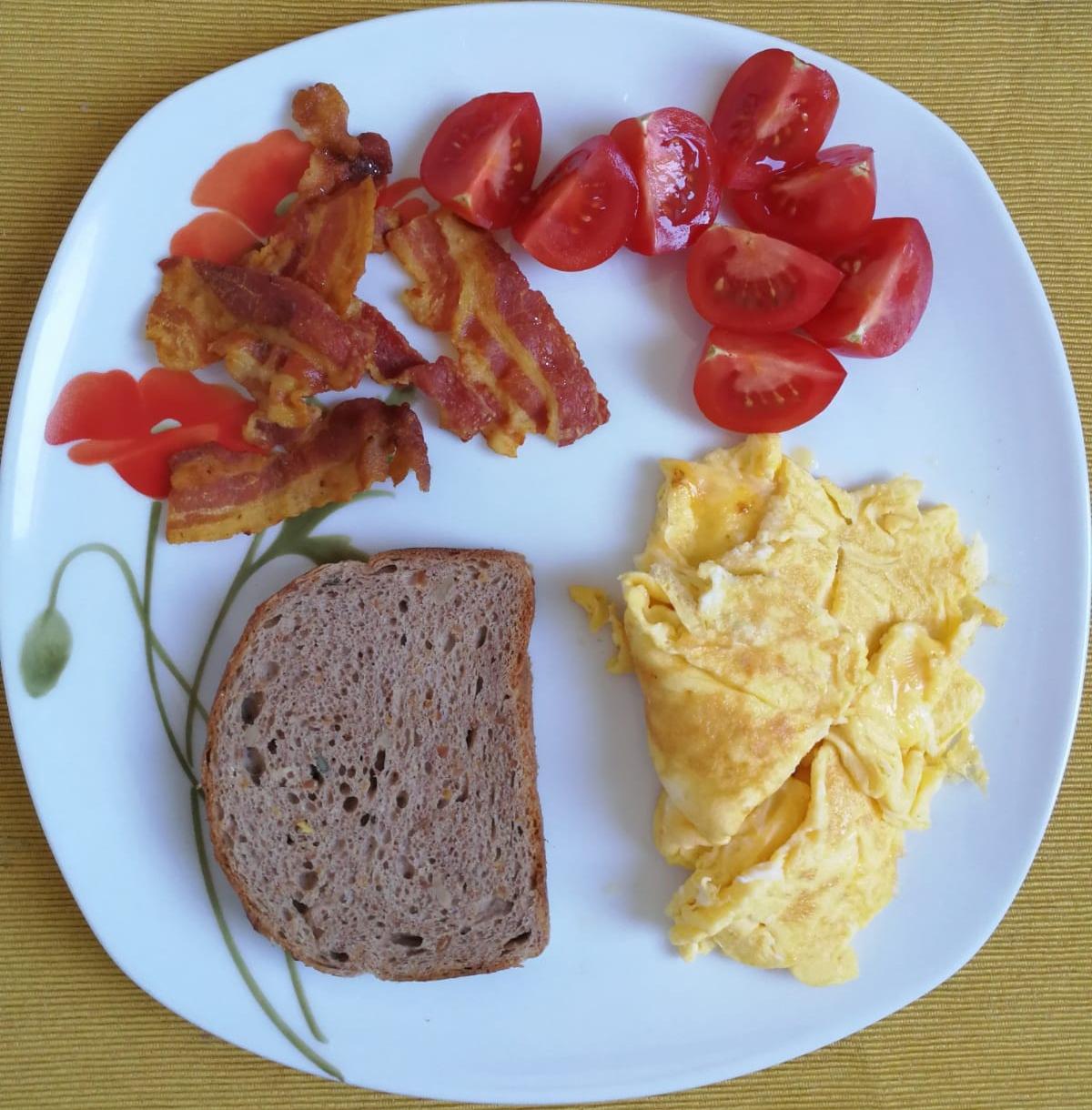 bacon-tojas-reggeli2.jpg