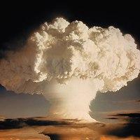 Atombombák társbérletben