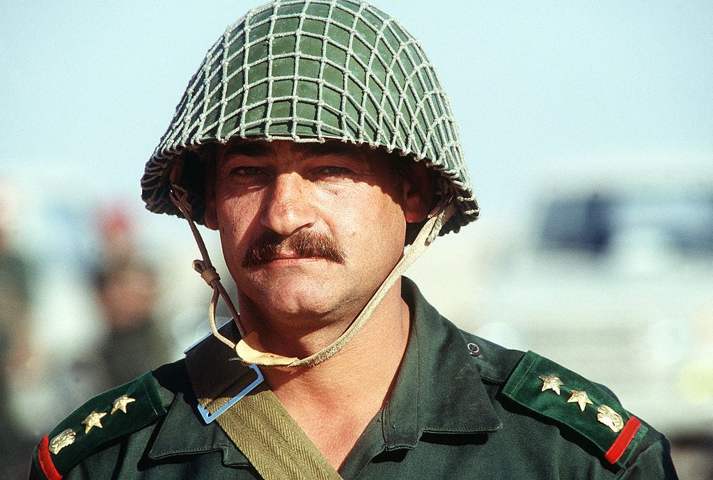 1024px-a_syrian_army_officer_during_the_gulf_war.jpg