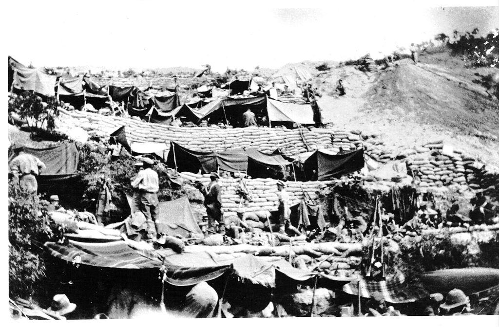 1024px-anzac_cove_encampment_1915.jpg