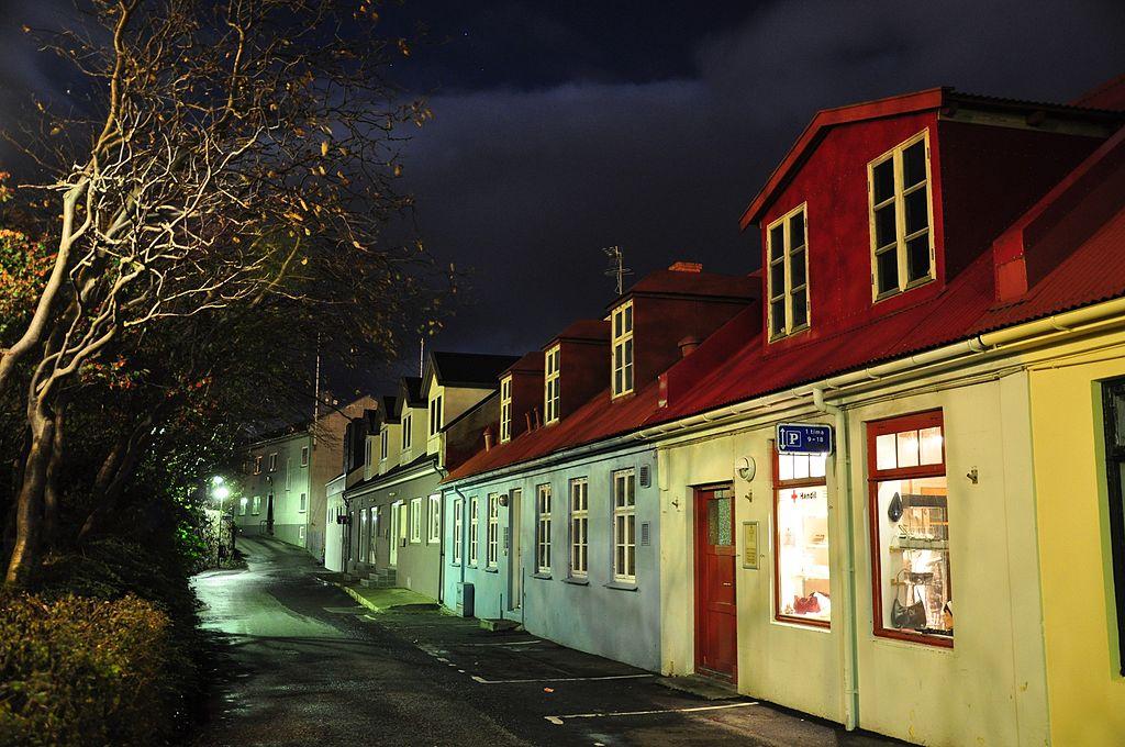 1024px-faroe_islands_streymoy_torshavn_4_bryggjubakki_street_at_night.jpg