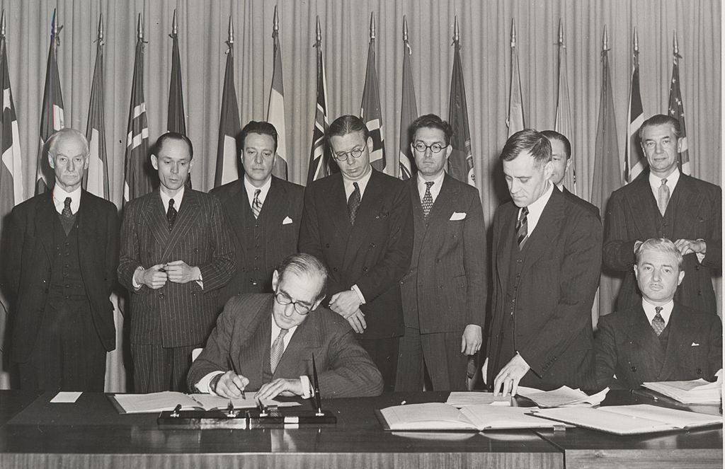 1024px-icrw-signing-1946-us.jpg