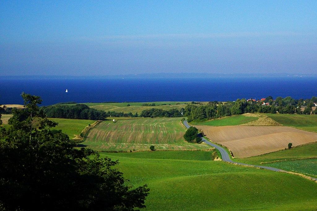 1024px-landscape_seen_from_ellemandsbjerg.jpg