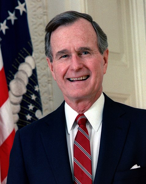 477px-george_h_w_bush_president_of_the_united_states_1989_official_portrait_cropped.jpg