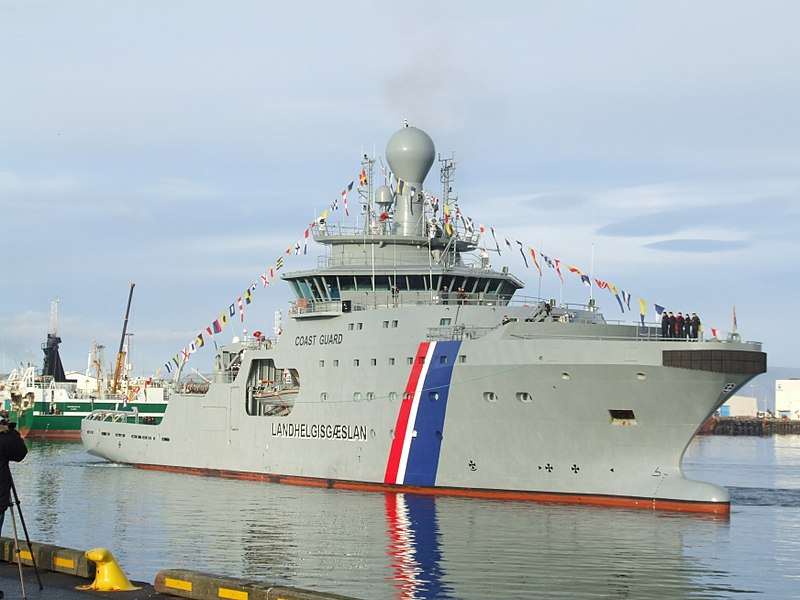 800px-2_arrival_of_thor_icelandic_coast_guard_2011-10-27_reykjavik_1.jpg