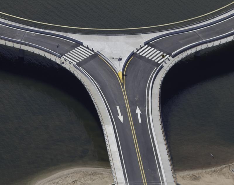 800px-bridge_laguna_garzon_detail.png