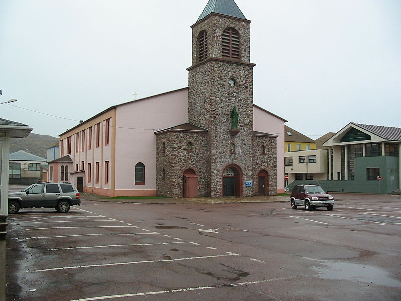 800px-cathedral_in_st_pierre.JPG