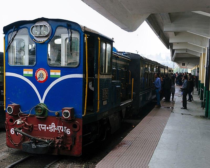 800px-darjeeling_himalayan_railway_diesel_locomotive.jpg