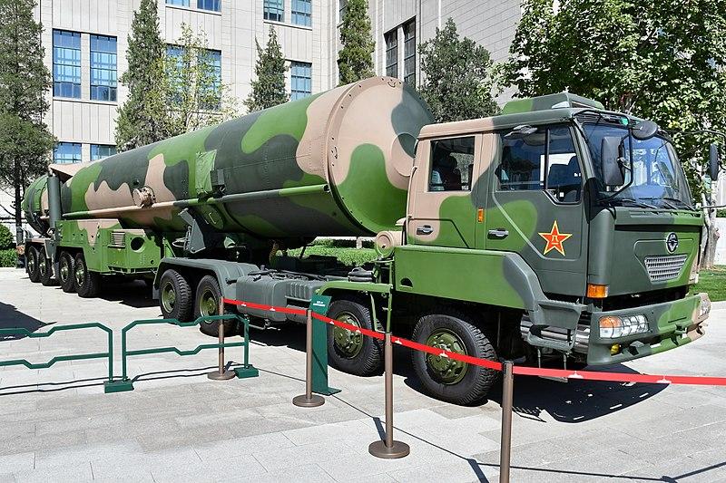 800px-df-31_ballistic_missiles_20170919.jpg