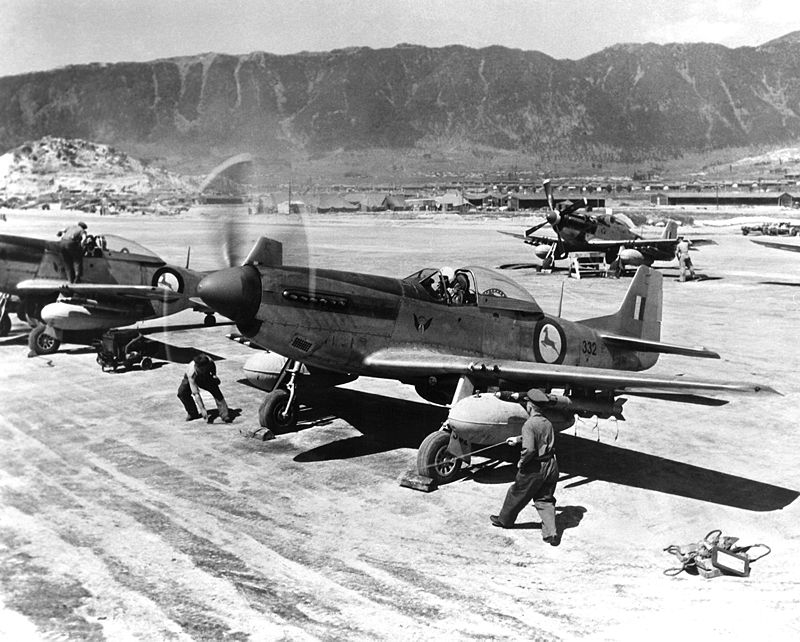 800px-f-51ds_2_sqn_saaf_korea_may_1951.jpeg