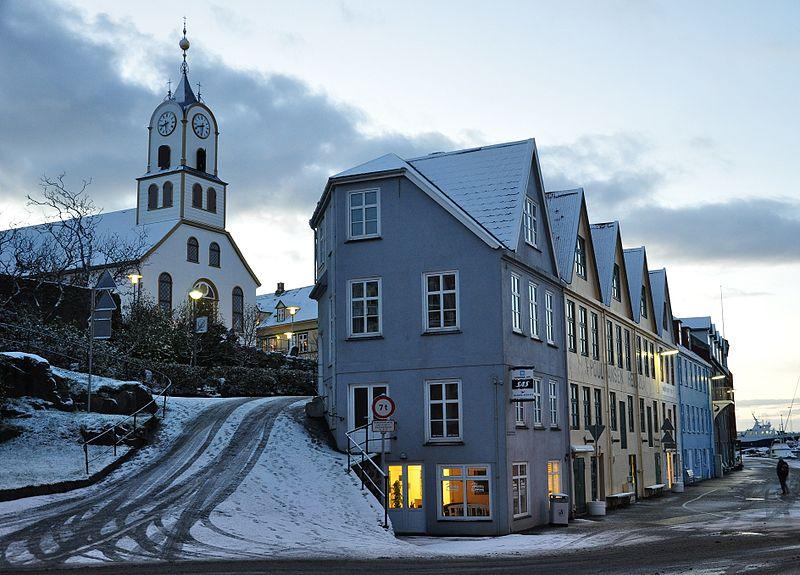 800px-faroe_islands_streymoy_torshavn_5.jpg