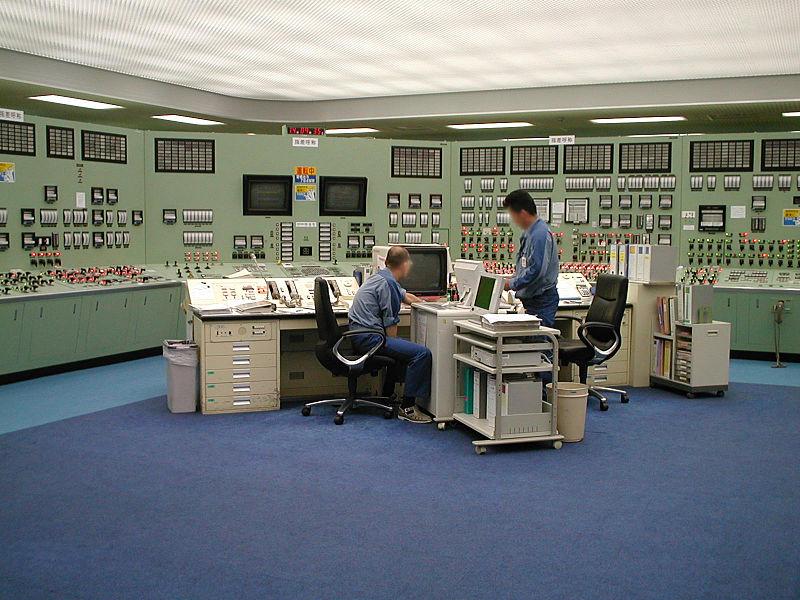 800px-fukushima_1_power_plant_control_room.jpg