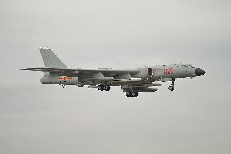 800px-h-6k_landing.jpg