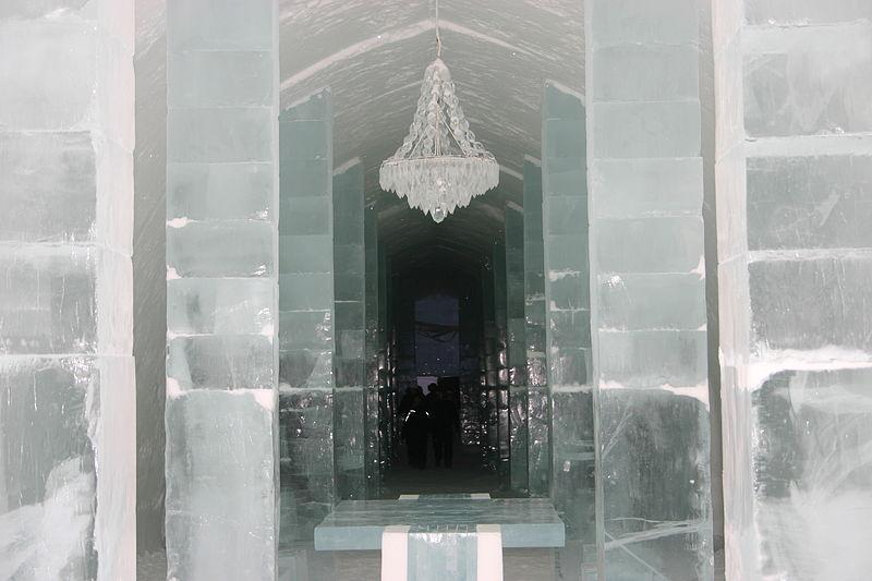 800px-icehotel-se-04.jpg
