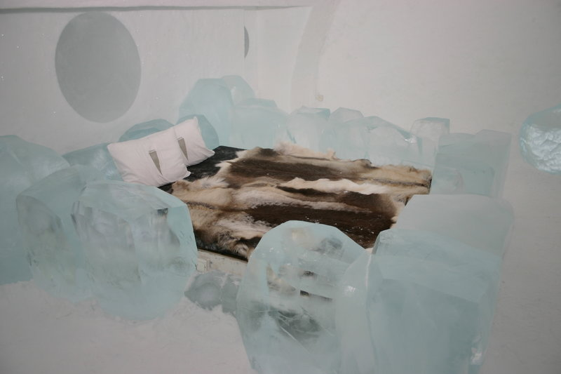 800px-icehotel-se-10.jpg