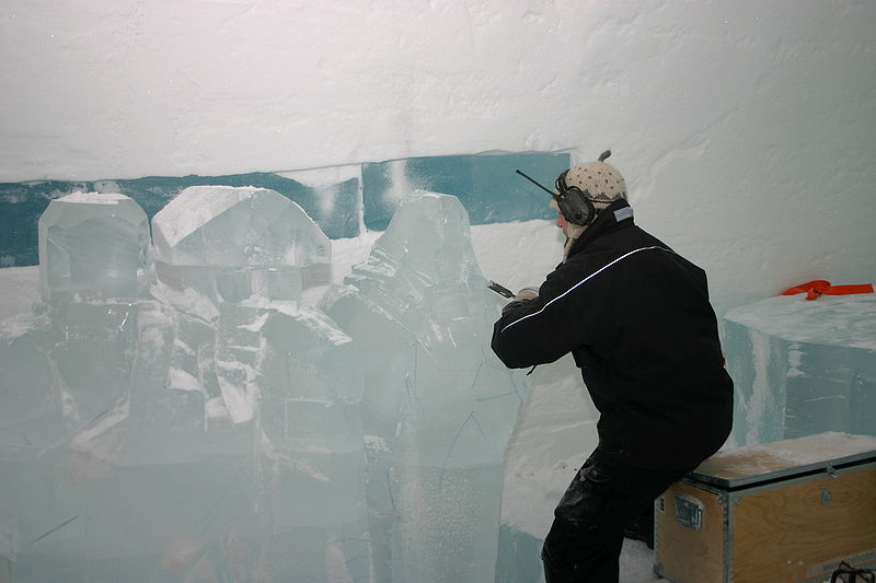 800px-icehotel-se-12.jpg