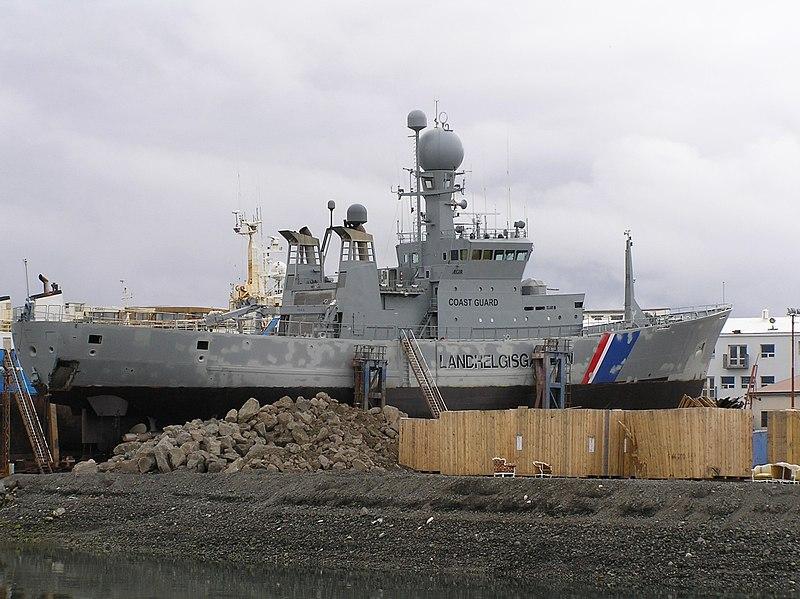 800px-icelandic_warship.jpg