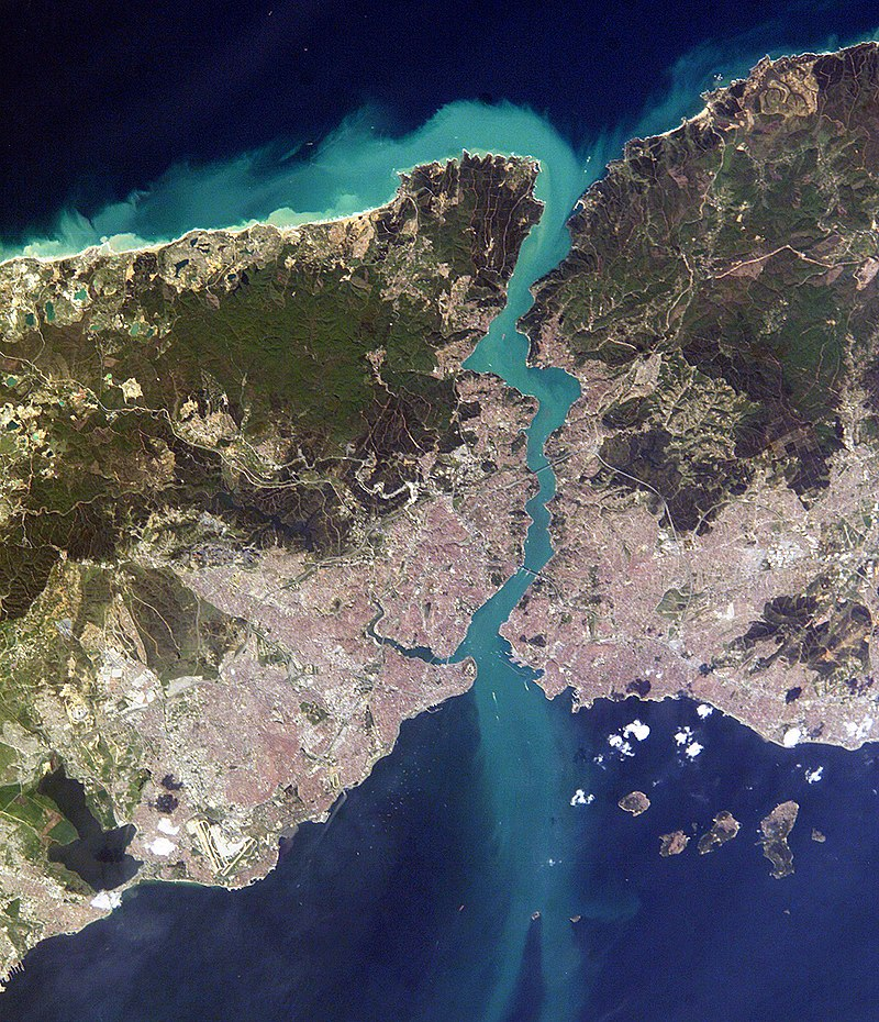 800px-istanbul_and_bosporus_big.jpg