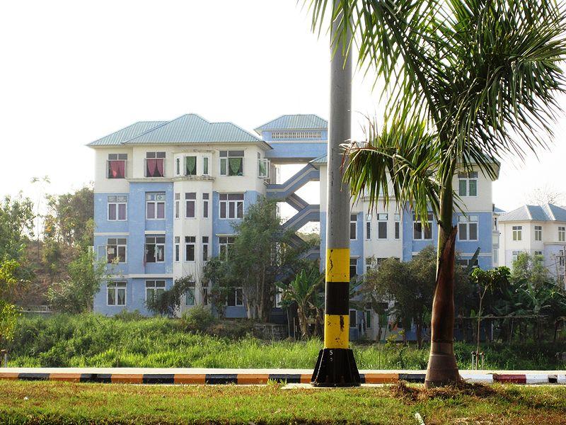 800px-naypyitaw_apartment.jpg