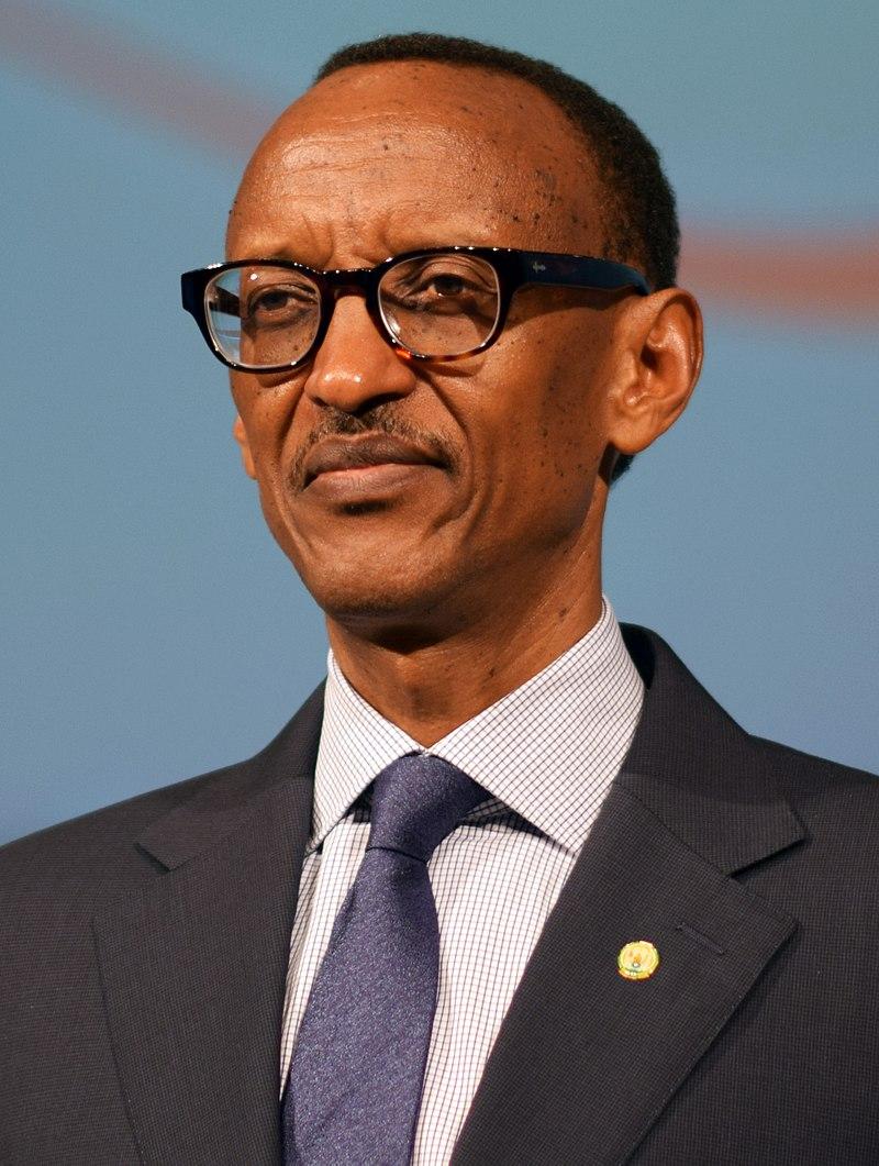 800px-paul_kagame_2014.jpg