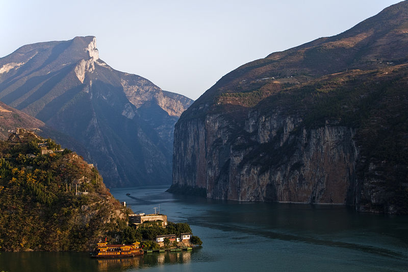 800px-qutang_gorge_on_changjiang.jpg