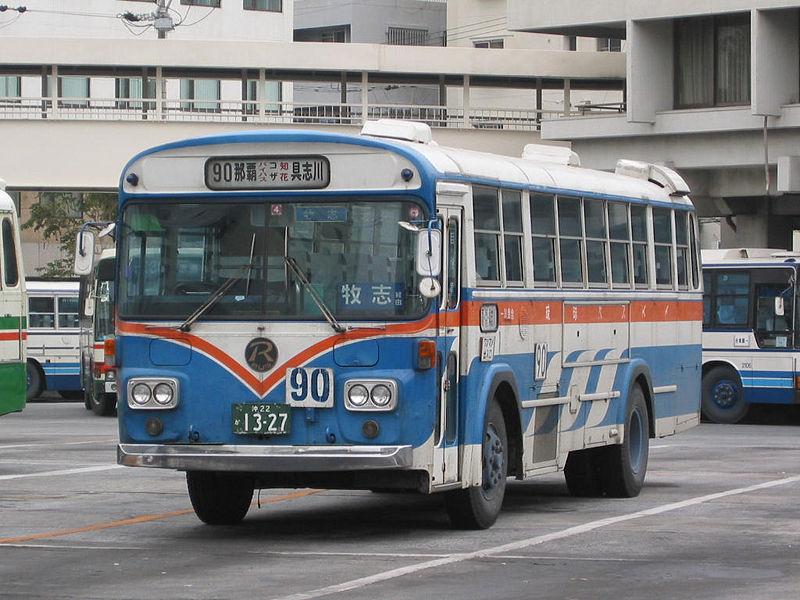 800px-ryukyu-bus-3e.jpg