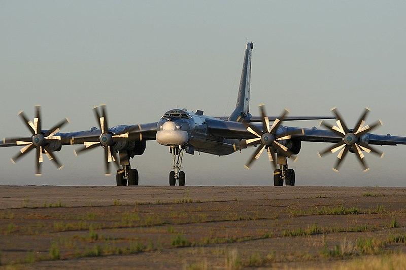 800px-tupolev_tu-95_marina.jpg
