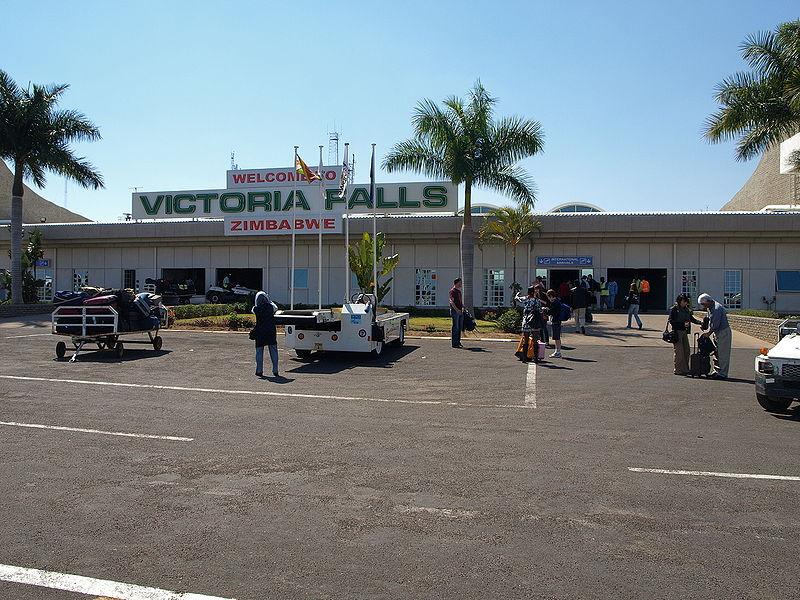800px-victoriafallsairport_arrivals.jpg