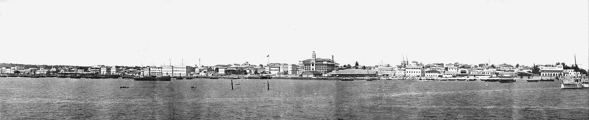 a_c_gomes_panorama_zanzibar_1902.jpg