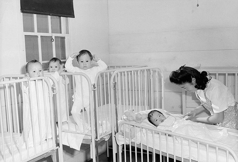 ansel_adams_manzanar_nursery_orphan_infants_lc-dig-ppprs-00170.jpg