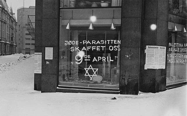antisemitic_graffiti_in_oslo_1941.jpg