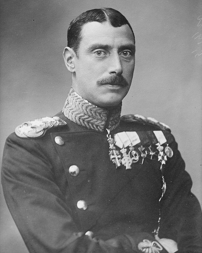 christian_x_of_denmark_circa_1915.jpg