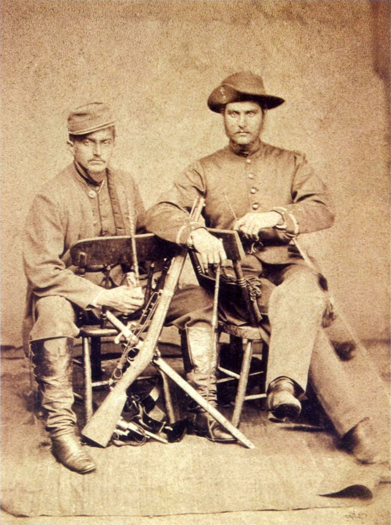 couple_of_brazilian_officers_in_paraguay.jpg