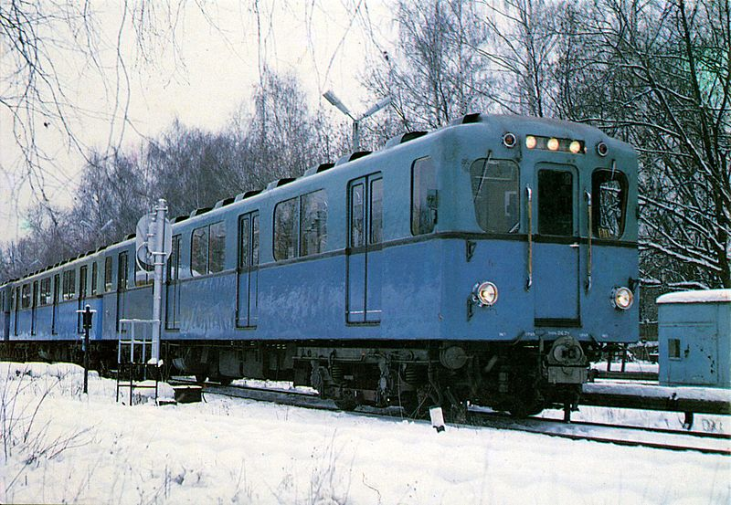 d_subway_train_in_moscow.jpg