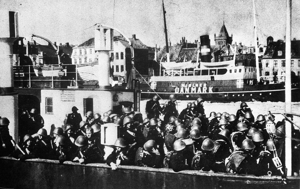 danish_soldiers_ferry_to_sweden_jpeg.jpeg
