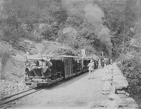 darjeeling_railway_1895.jpg
