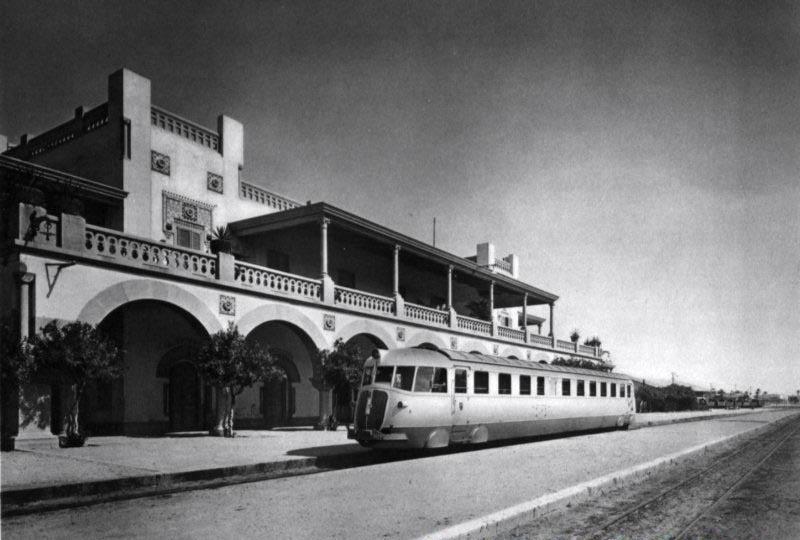 fiat_train_at_tripoli_s_railway_central_station.jpg