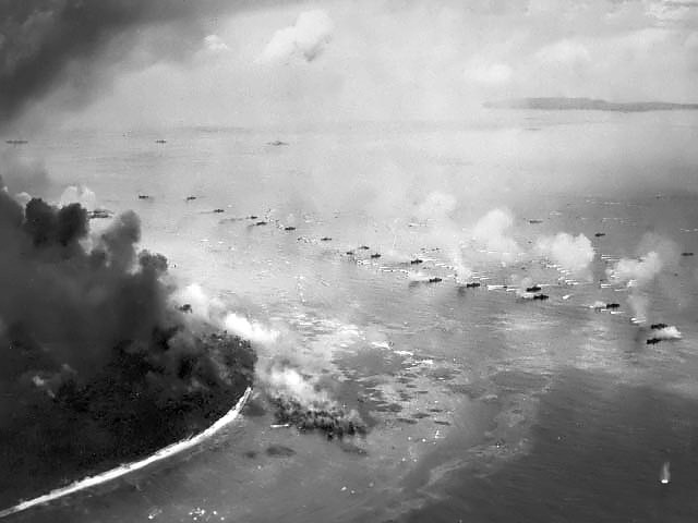 first_wave_of_lvts_moves_toward_the_invasion_beaches_peleliu.jpg