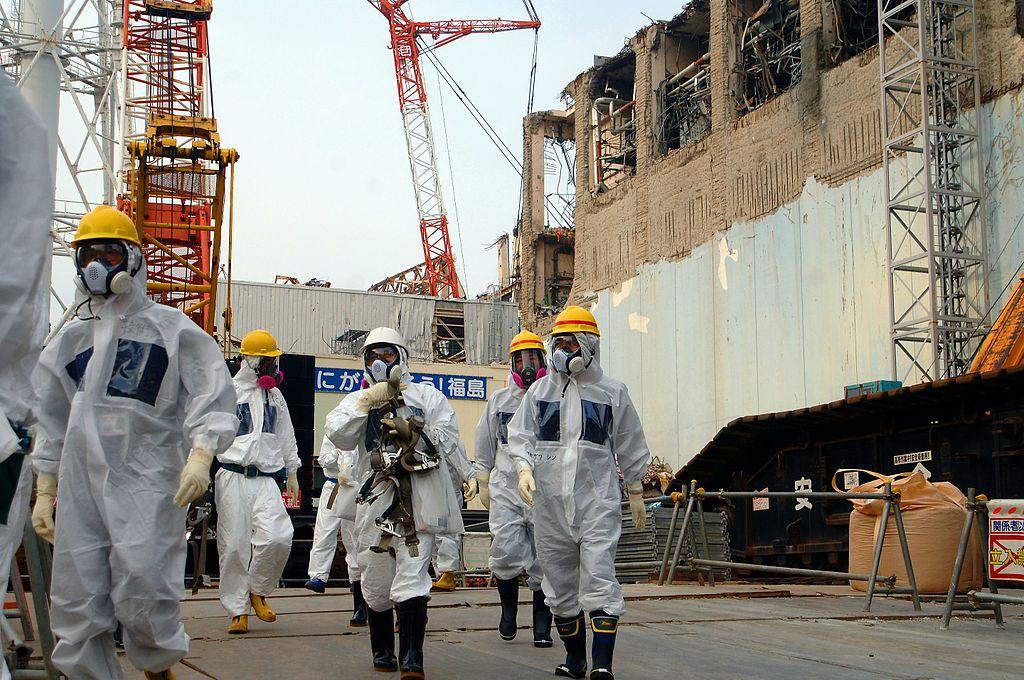iaea_experts_at_fukushima_02813336.jpg